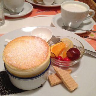 チーズスフレプレートセット(ファンスペースカフェ (FUN SPACE CAFE))