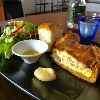キッシュランチ(Pâtisserie café 3ème )