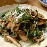 鮮魚とキノコの炒め物
