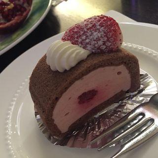苺ムースケーキ(千疋屋総本店 フルーツパーラー (總本店 センビキヤソウホンテン))