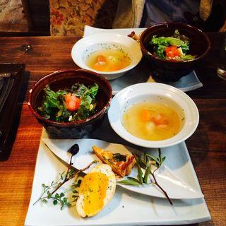 前菜とスープ(Cochi Design and cafe)
