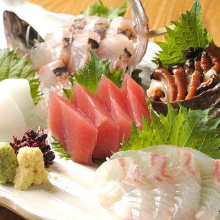 鮮魚の盛り合わせ(夜ばなし 旬魚季菜)
