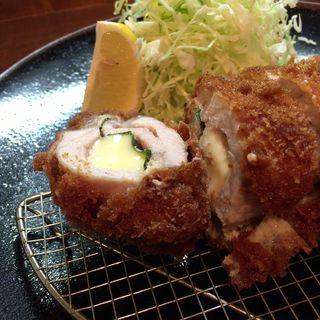 チーズ入りロースカツ定食(たか山)