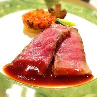 国産牛背肉の塩殻包み焼き(八芳園 )