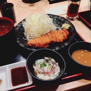 ロースカツ定食(牛カツ専門店 京都勝牛 京都駅前 )