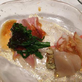 鰤の炙り・ズワイガニ・ホタテの炙り出汁ジュレかけ(板前割烹ひぐち)