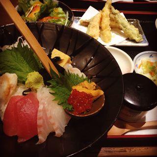 ランチ海鮮丼5品