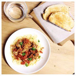 豚肉とキノコのトマトソースパスタ(miyazaki)