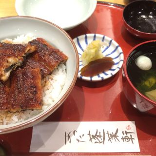 うなぎ丼(上)(あつた蓬莱軒 松坂屋店 (あつたほうらいけん))