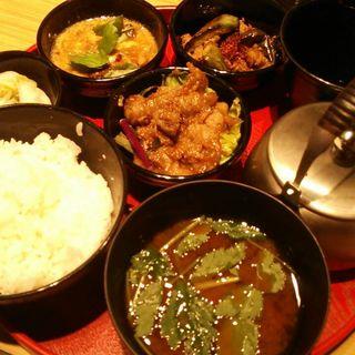 至福のごはん(24/7 cafe apartment umeda (トゥエンティーフォーセブンカフェ アパートメント ウメダ))