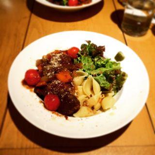 牛肉と野菜のラグー(SW11 kitchen (エスダブリューイレブン キッチン))