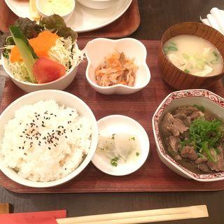 牛すじ定食(くりぼん )