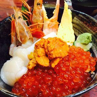 うに盛り 小樽丼(海鮮丼 大江戸 築地市場内店 (かいせんどん おおえど))
