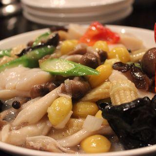 ホタテとアスパラと銀杏と野菜の塩味炒め(刀削麺 張家 麹町店 )