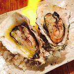 殻付き牡蠣の燻製焼き(1個)(煙 燻製バル トリベーネ 心斎橋店 (ケムリクンセイバルトリベーネ))
