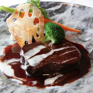牛タンの赤ワイン煮込み(レストラン アラスカ 大阪本店 )