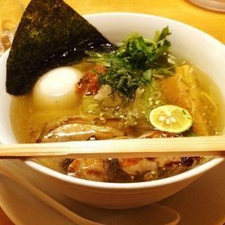 贅沢のせ鶏塩らー麺(りょう花 大阪梅田店)