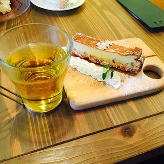 自家製レアチーズケーキ(ワイン酒場 GabuLicious 仙台 (ガブリシャス))