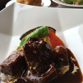 牛ほほ肉のほろほろ赤ワイン煮込み(東京ドームホテル札幌 レストランパティオ)