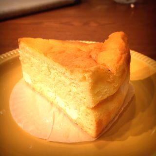 チーズスフレケーキ(1/3 un tiers (アン ティエール))
