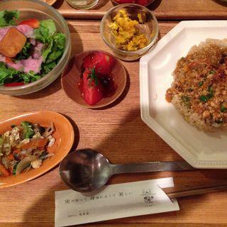 豆腐入り玄米和風カレー(玄米カフェ実身美sangmiサンミ梅田店)