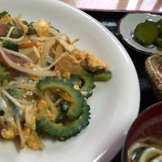 ゴーヤチャンプルー定食(デンサー食堂 (でんさーしょくどう))