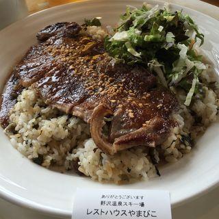 野沢菜ビーフステーキライス(レストハウスやまびこ 野沢温泉スキー場)