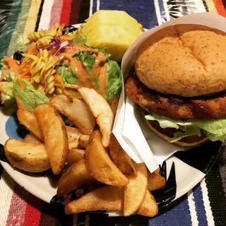 ハンバーガー(エルドミンゴグランデ (EL DOMINGO GRANDE 【旧店名】California Cuisine HANA Restaurant & Bar))