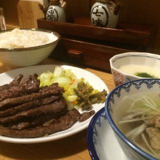 牛タン炭火焼き定食(みそ味)1.5人前(味の牛たん 喜助 エスパル店 (きすけ))