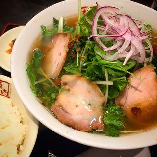 わさび菜たっぷり香味醤油ラーメン(喜多方ラーメン坂内 多摩センター店 )