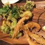川津海老と旬野菜のフリット