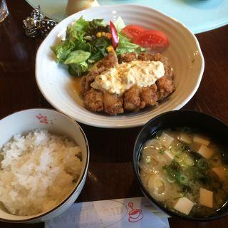 チキン南蛮定食(オンザロード (ON THE ROAD))