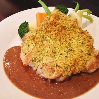 若鶏もも肉の香草パン粉焼き デミグラスマスタードソース(KAZ (カズ))
