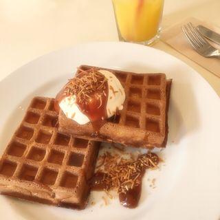 キャラメルソース&ローストココナッツ&ホイップクリーム(Waffle'S beulah 代官山店 (ワッフルズビウラ))
