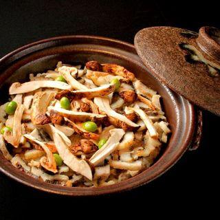松茸と銀杏の土鍋(けせらせら)