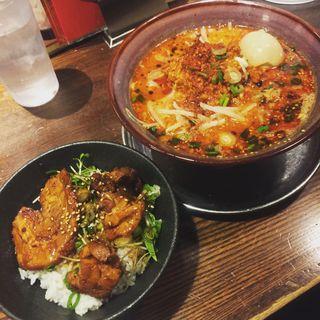 麻辣豚骨麺+とろ豚チャーシュー丼(光麺 新宿南口店 (コウメン))