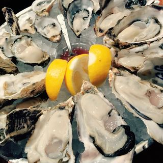 生牡蠣盛り合わせ6種類(フィッシュハウス オイスターバー (FISH HOUSE OYSTER BAR))