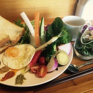 蒸し鶏とアボカドチーズのサンドセット(創作茶屋 茶蔵坊)