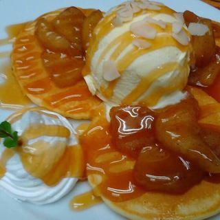 キャラメルアップルシナモンパンケーキ(アイランドカフェアンドバー (Island Cafe & Bar))