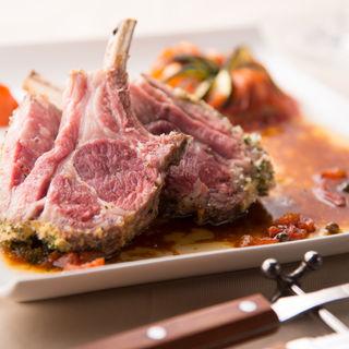 ラム肉のグリル トマトソース(ブション・プロヴァンサル Chez AZUMA (ブションプロヴァンサル シェアズマ))