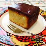 アマレットカシス香るビターチョコがけケーキ