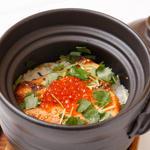 イクラと鮭の土鍋