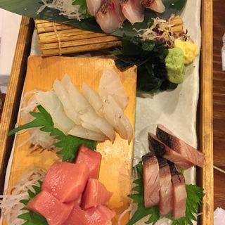 生本まぐろと鮮魚の御造り四点盛り(魚箱 大井町店 (とろばこ))
