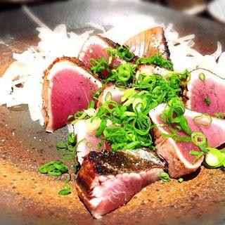 藁焼きかつおタタキ(TOSAMON魚類BENBEN (ベンベン))