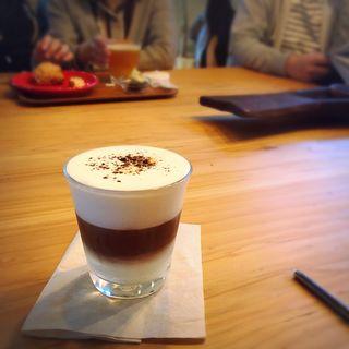 アイスフォームマキアート(Neighborhood and Coffee 奥沢2丁目店 (ネイバーフッド アンド コーヒー))
