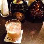 酒場のチョコミルク