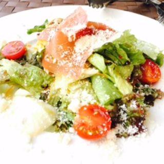 パルマ産プロシュートと野菜のサラダ(ミアボッカエミオ石神井公園店 (Mia Bocca))