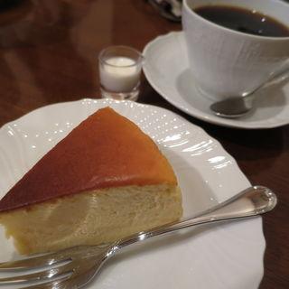 チーズケーキセット(カフェ・イー・ウインド (cafe Ea'dwind))