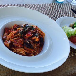 しゃもといろんなキノコのトマトソース、ボスカイオーラ風(ラ・ソラシド フードリレーションレストラン (LA SORA SEED FOOD RELATION RESTAURANT ))