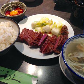 牛タン定食+トロロ+おかわり(牛たん炭焼き 利久 泉中央店 (ぎゅうたんすみやき りきゅう))
